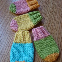 Knitting Pattern Central Baby Mittens : BABY MITTENS KNITTING PATTERN GARTER STITCH   KNITTING PATTERN