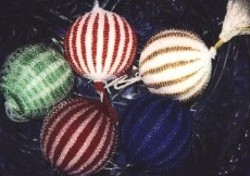 Free Six Pointed Star Christmas Ornament Knitting Pattern